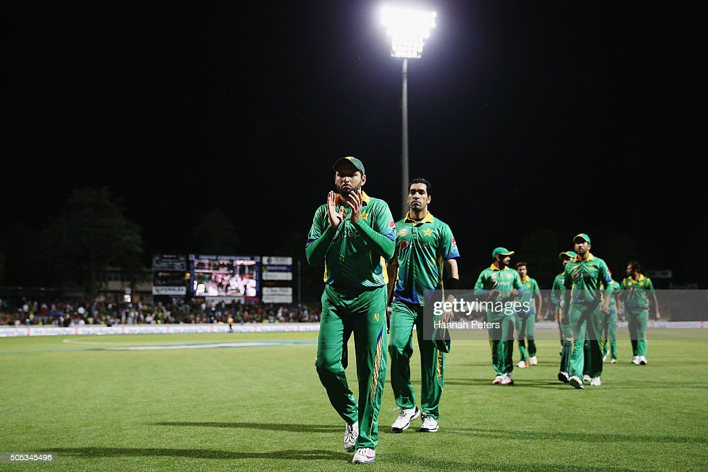 Shahid Afridi of Pakistan leads his team off after losing the International Twenty20 match between New Zealand and Pakistan at Seddon Park on January 17, 2016 in Hamilton, New Zealand.
