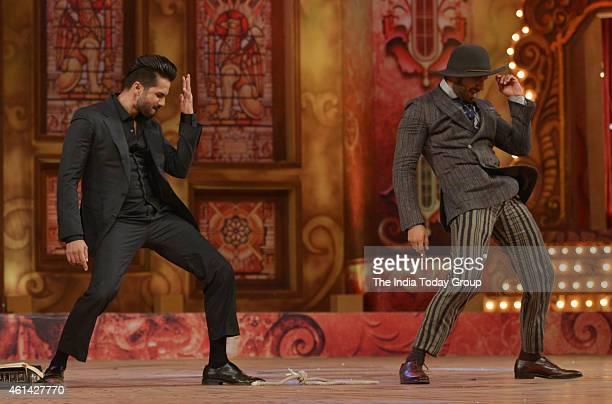Shahid Kapoor and Ranveer Singh performing in Mumbai police show UMANG at Andheri sports complex