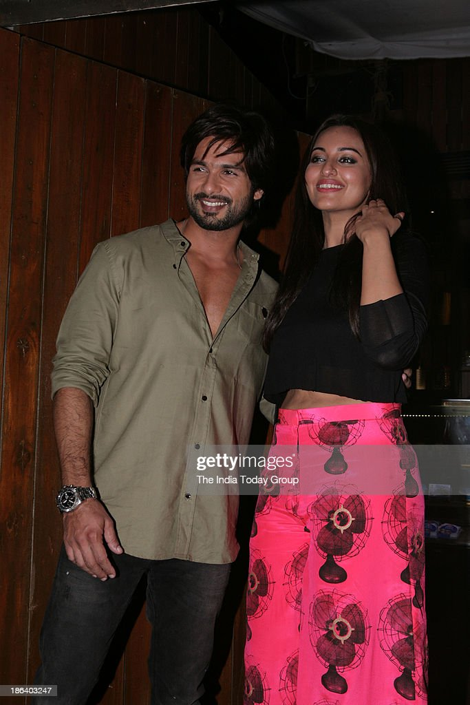 Shahid Kapur and Sonakshi Sinha during the completion bash of the movie RRajkumar in Mumbai