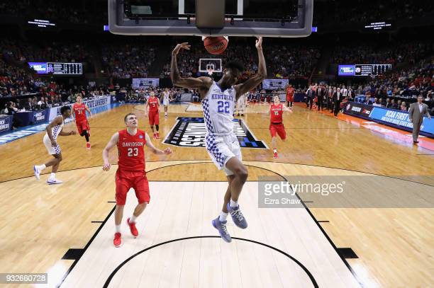Shai GilgeousAlexander of the Kentucky Wildcats dunks the ball against the Davidson Wildcats during the first round of the 2018 NCAA Men's Basketball...