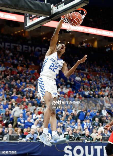 Shai GilgeousAlexander of the Kentucky Wildcats shoots the ball against the Georgia Bulldogs during the quarterfinals round of the 2018 SEC...