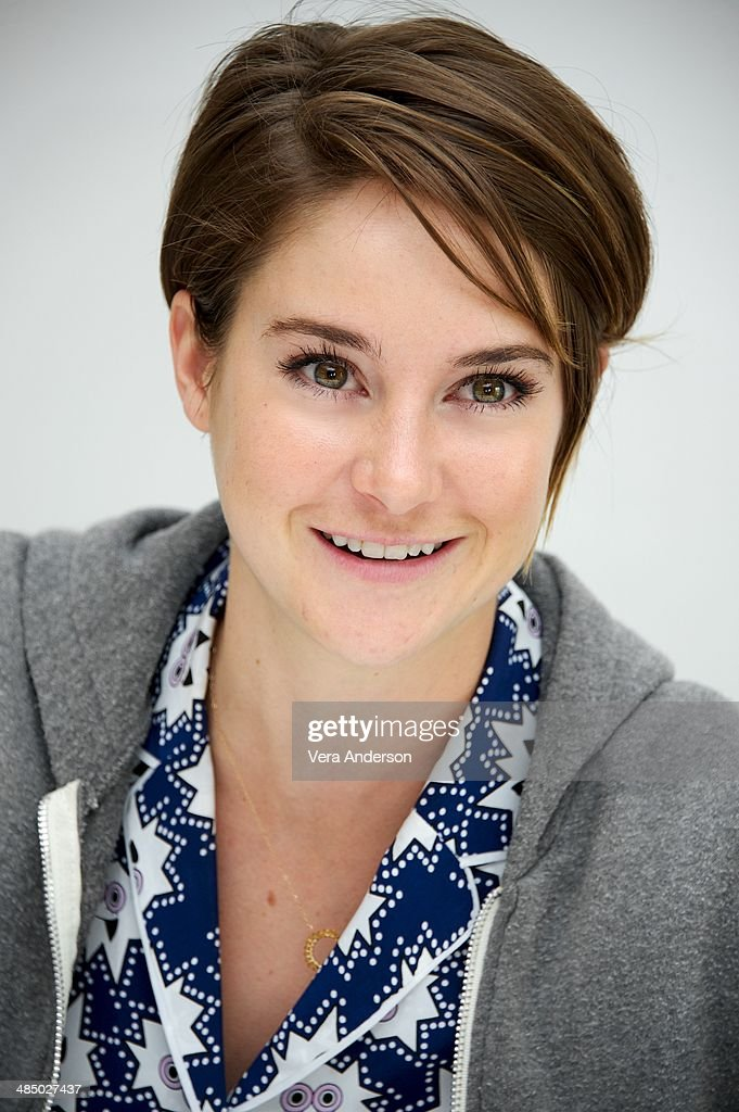 shailene woodley at the fault in our stars press conference at the picture id485027437