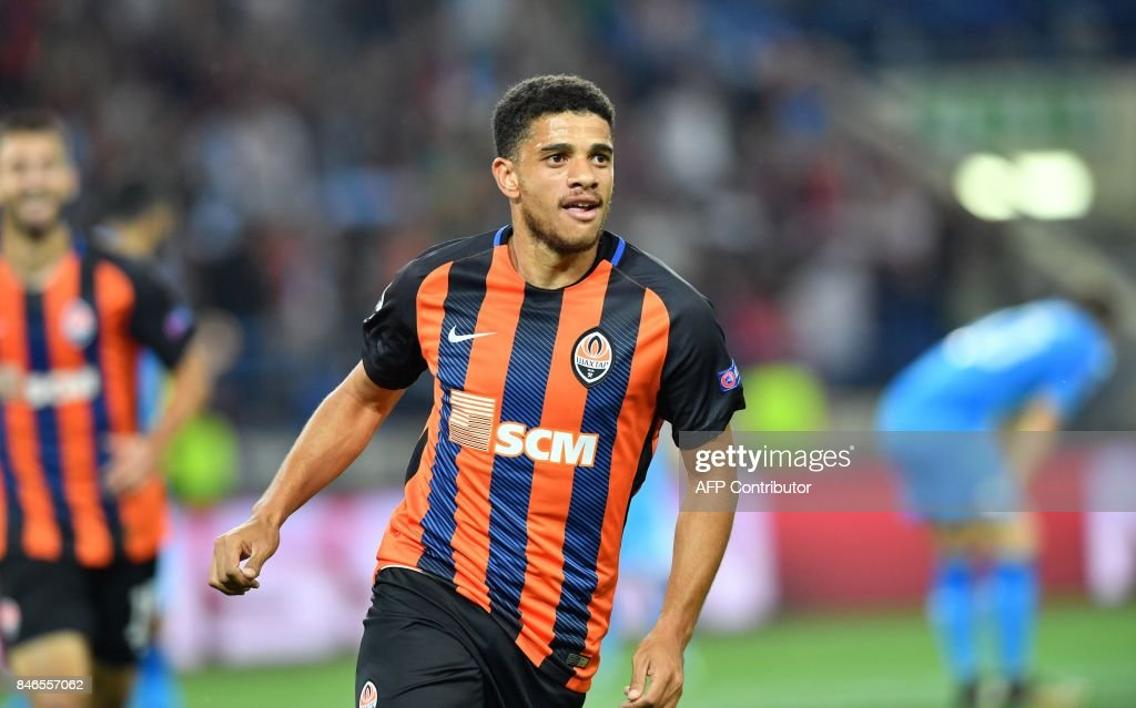 FC Shakhtar Donetsk's Taison celebrates after scoring during the UEFA Champions League Group F football match between FC Shakhtar Donetsk and SSC Napoli at The Metalist Stadium in Kharkiv on September 13, 2017. /
