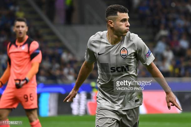 Shakhtar Donetsk's Ukrainian forward Junior Moraes celebrates after scoring an equalizer against Atalanta's Italian goalkeeper Pierluigi Gollini...
