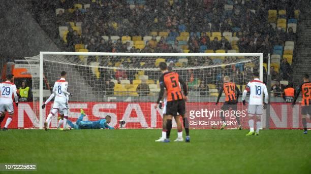 Shakhtar team scores during the UEFA Champions League Groupe F football match FC Shakhtar Donetsk and Olympique Lyonnais on NSK Olimpiyskyi stadium...