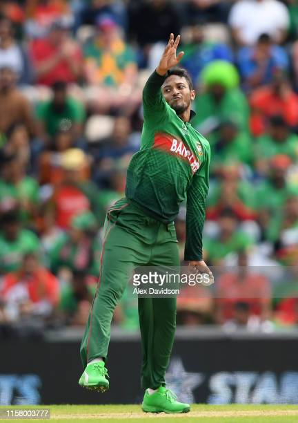 Shakib Al Hasan of Bangladesh bowls during the Group Stage match of the ICC Cricket World Cup 2019 between Bangladesh and South Africa at The...