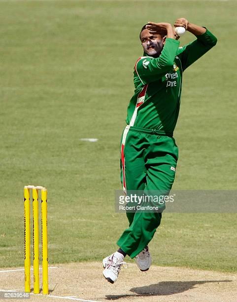 Shakib Al Hasan of Bangladesh bowls during the second one day international match between Australia and Bangladesh held at TIO Stadium on September 3...