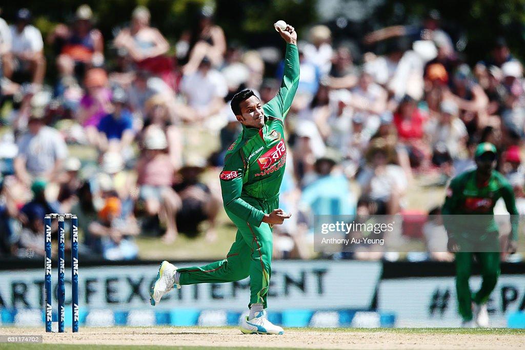 New Zealand v Bangladesh - 3rd T20 : News Photo
