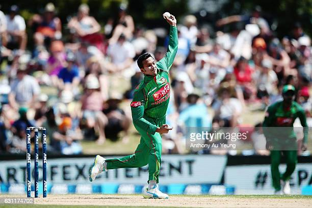 Shakib Al Hasan of Bangladesh bowls during the third Twenty20 International match between New Zealand and Bangladesh at Bay Oval on January 8 2017 in...