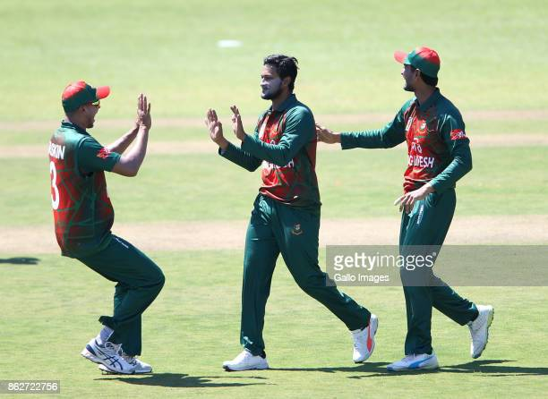 Shakib Al Hasan of Bangladesh celebrates a wicket during the 2nd Momentum ODI match between South Africa and Bangladesh at Boland Park on October 18...