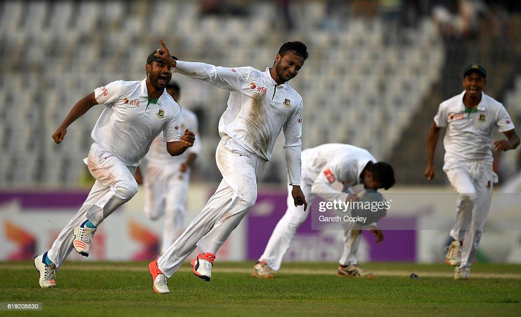 Bangladesh v England - Second Test: Day Three : News Photo
