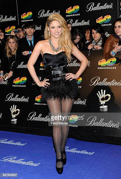 Shakira arrives at the '40 Principales' Awards at the Palacio de Deportes on December 11 2009 in Madrid Spain