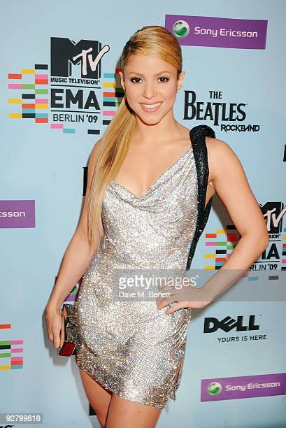 Shakira arrives for the 2009 MTV Europe Music Awards held at the O2 Arena on November 5 2009 in Berlin Germany