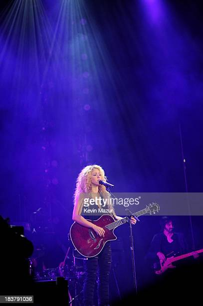 Shakira performs at special event for T-Mobile at Bryant Park on Wednesday, October 9, 2013 in New York City.