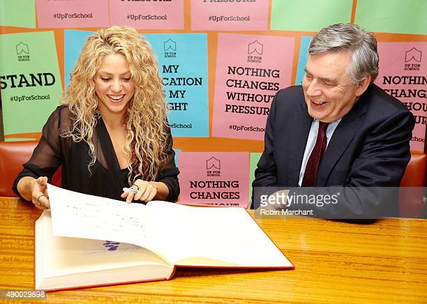 Shakira presents the UN Special Envoy for Education Gordon Brown with the world's largest petition on education #UpforSchool to deliver into the...