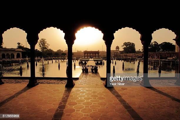 shalamar gardens - パキスタン ラホール市 ストックフォトと画像