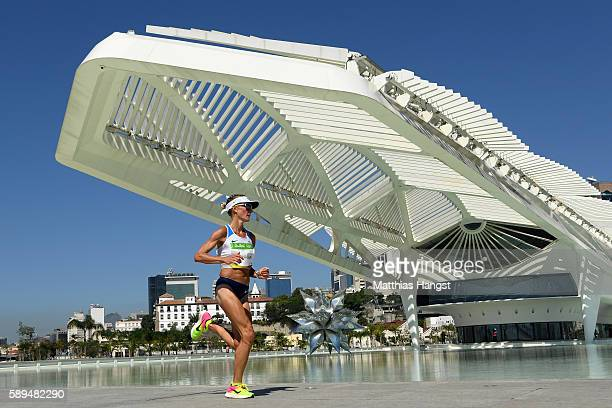 Shalane Flanagan of the United States competes during the Women's Marathon on Day 9 of the Rio 2016 Olympic Games at the Sambodromo on August 14,...