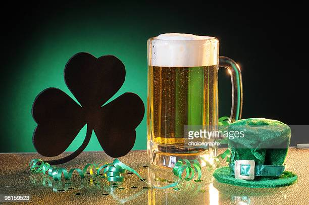 shamrock and beer to celebrate saint patrick's day - leprechaun stock pictures, royalty-free photos & images
