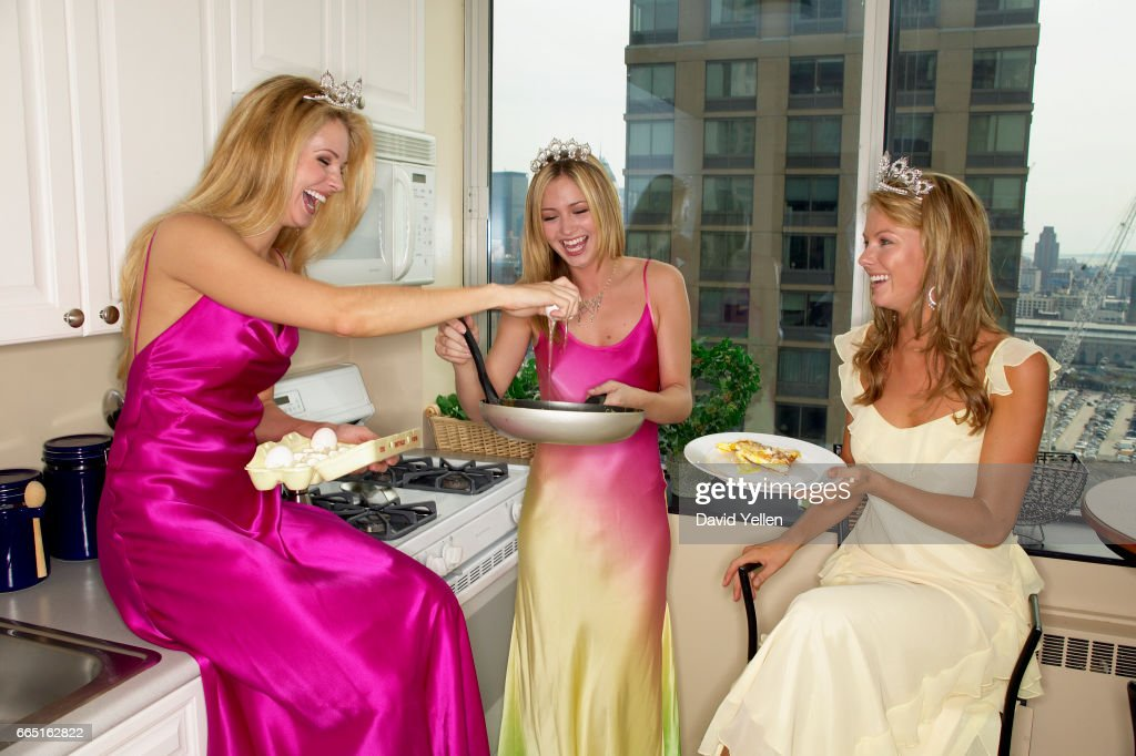 Shandi Finnessey, Miss USA 2004, Tami Farrell, Miss Teen USA 2003, and Jennifer Hawkins, Miss Universe 2004.