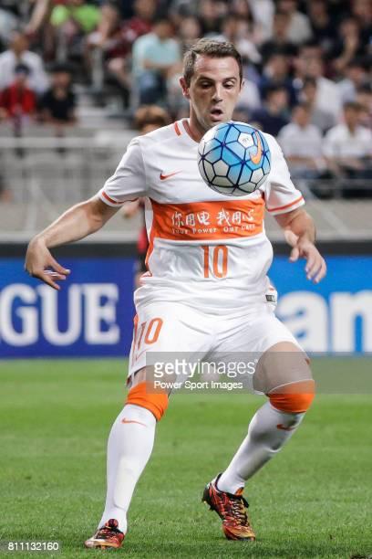 Shandong Luneng FC midfielder Walter Montillo in action during the AFC Champions League 2016 Quarter Final 1st leg between FC Seoul vs Shandong Lunen...