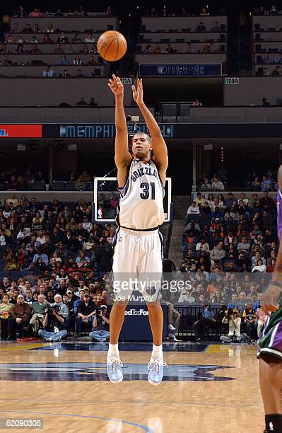 Shane Battier of the Memphis Grizzlies shoots during the game against the Milwaukee Bucks at FedEx Forum on January 15 2005 in Memphis Tennessee The...