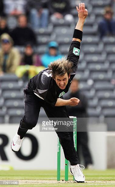 Shane Bond of New Zealand bowls a delivery during the third One Day International match between New Zealand and Sri Lanka at Jade Stadium January 02...
