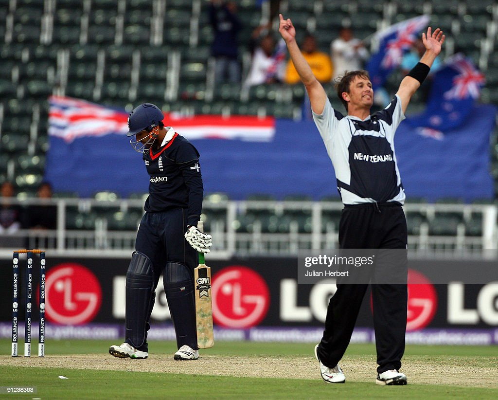 Shane Bond of New Zealand celebrates the wicket of Ravi Bopara during The ICC Champions Trophy Group B Match between England and New Zealand at Wanderers Stadium on September 29, 2009 in Johannesburg, South Africa.