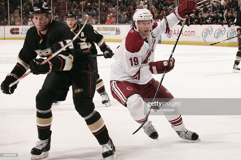 Phoenix Coyotes v Anaheim Ducks : News Photo