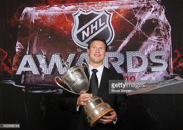 Shane Doan of the Phoenix Coyotes poses for a portrait with the King Clancy Trophy during the 2010 NHL Awards at the Palms Casino Resort on June 23...