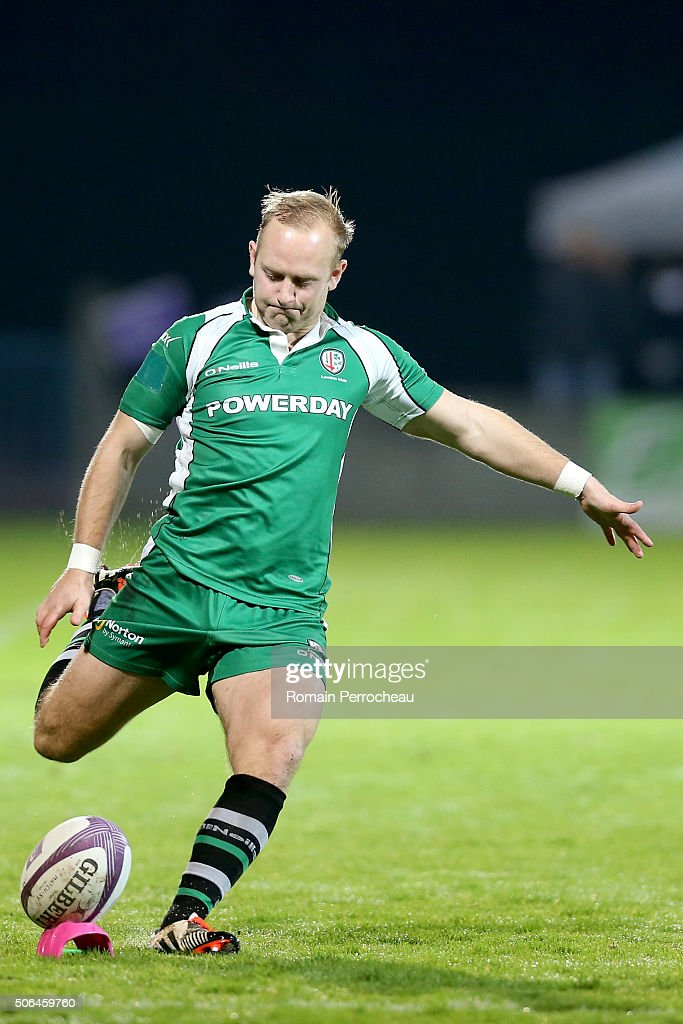 Shane Geraghty for London Irish in action during the European Rugby Challenge Cup match between Agen and London rish at stade Armandie on January 23, 2016 in Agen, France.