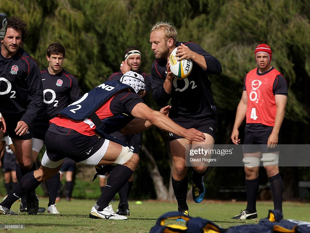 Shane Geraghty runs with the ball during a England rugby training session at McGillivray Oval on June 5, 2010 in Perth, Australia.