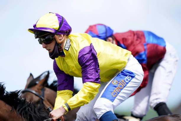 GBR: Beverley Races
