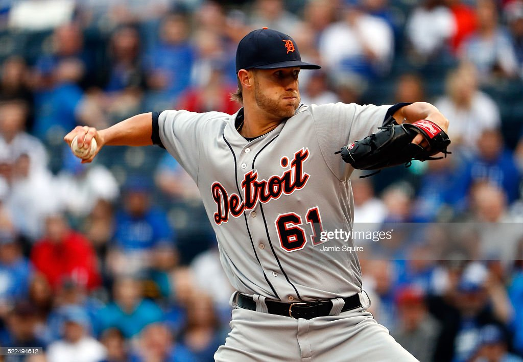 Shane Greene #61 of the Detroit Tigers pitches during the 1st inning of the game against the Kansas City Royals at Kauffman Stadium on April 19, 2016 in Kansas City, Missouri.