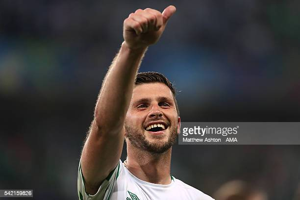 Shane Long of Ireland celebrates at the end of the UEFA EURO 2016 Group E match between Italy and Republic of Ireland at Stade Pierre-Mauroy on June...