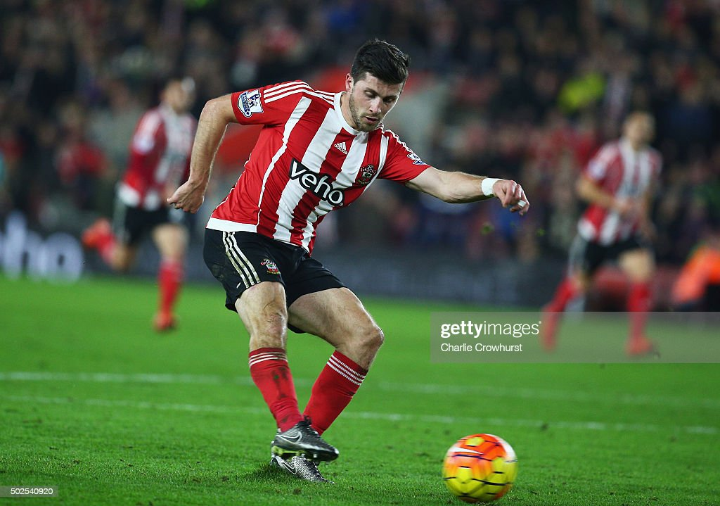 Shane Long of Southampton scores their fourth goal during the Barclays Premier League match between Southampton and Arsenal at St Mary's Stadium on December 26, 2015 in Southampton, England.