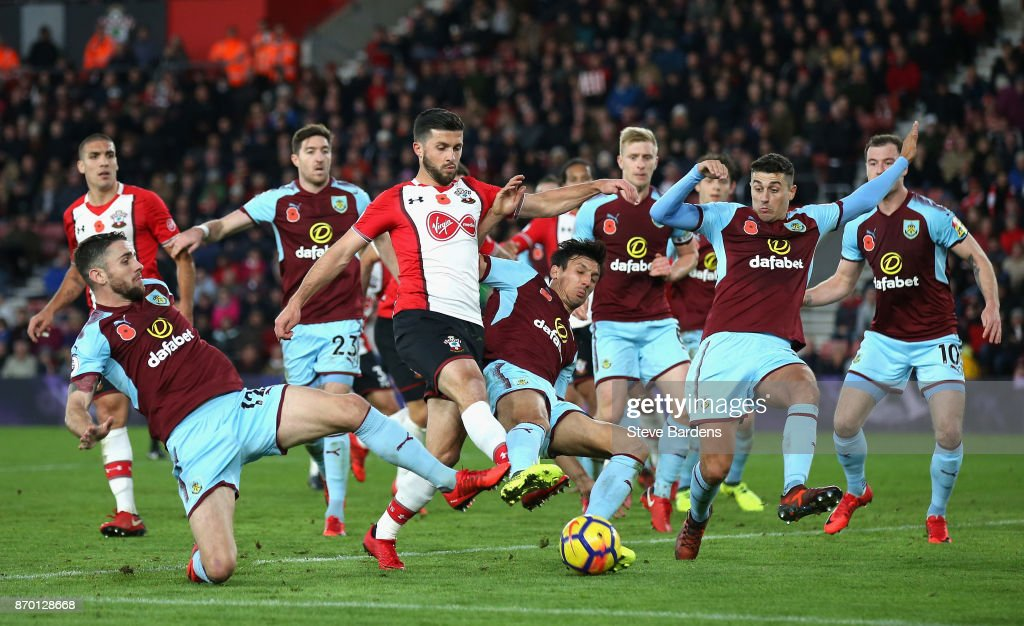 Shane Long of Southampton shoots and misses during the Premier League match between Southampton and Burnley at St Mary's Stadium on November 4, 2017 in Southampton, England.