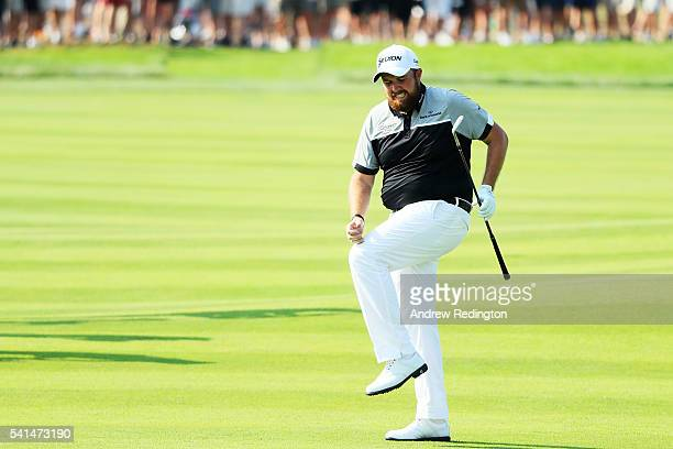 Shane Lowry of Ireland reacts to a shot on the eighth hole during the final round of the US Open at Oakmont Country Club on June 19 2016 in Oakmont...