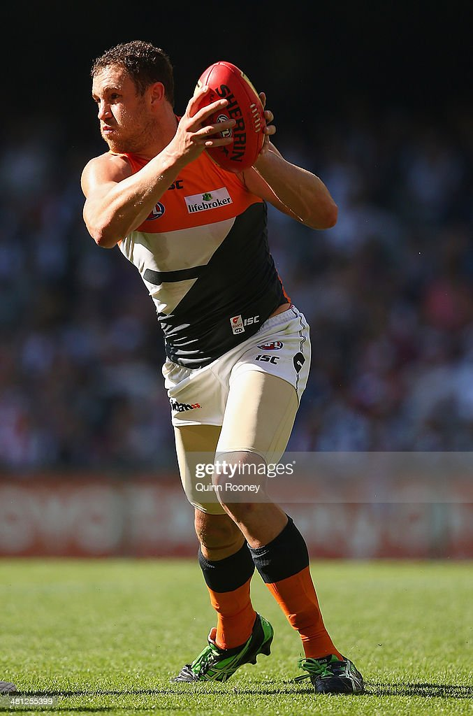 AFL Rd 2 - St Kilda v GWS : News Photo