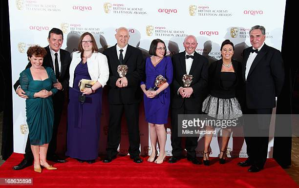 Shane Ritchie Lorraine Newman Simon Ashdown Ceri Meyrick Karl Neilson and Jessie Wallace accept the Best Soap Continuing Drama for 'Eastenders' pose...