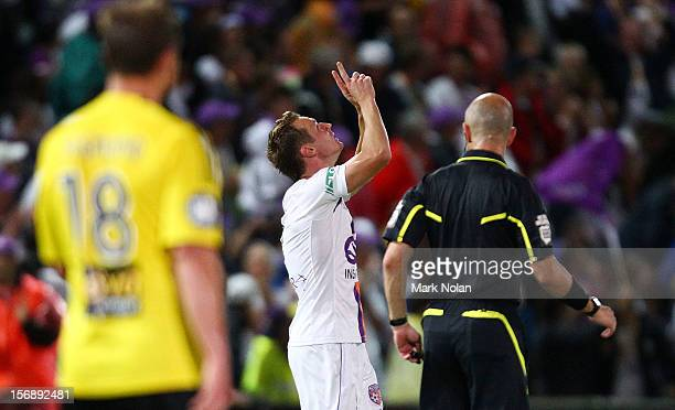 Shane Smeltz of the Glory celebrates his goal during the round eight A-League match between Perth Glory and Wellington Phoenix at NIB Stadium on...