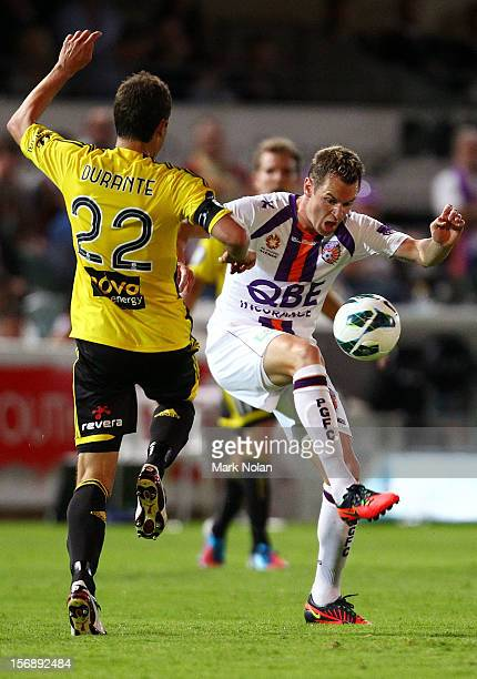 Shane Smeltz of the Glory in action during the round eight A-League match between Perth Glory and Wellington Phoenix at NIB Stadium on November 24,...