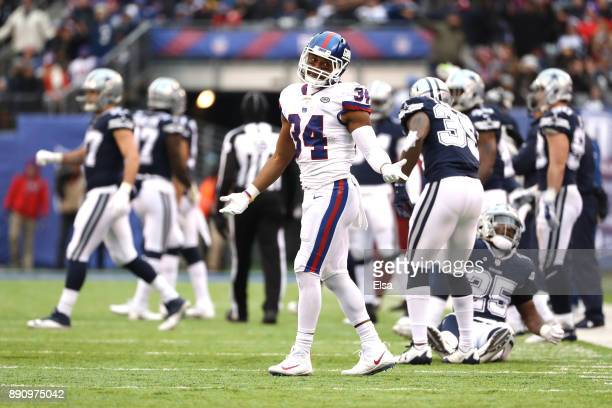 Shane Vereen of the New York Giants reacts after a play in the second half against the Dallas Cowboys during the game at MetLife Stadium on December...