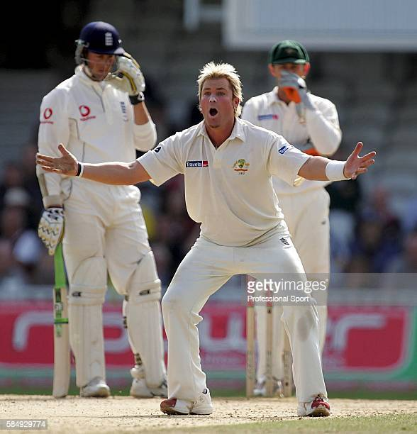 Shane Warne appeals during day five of the 5th npower Ashes Test between England and Australia played at The Brit Oval on September 12 2005 in London