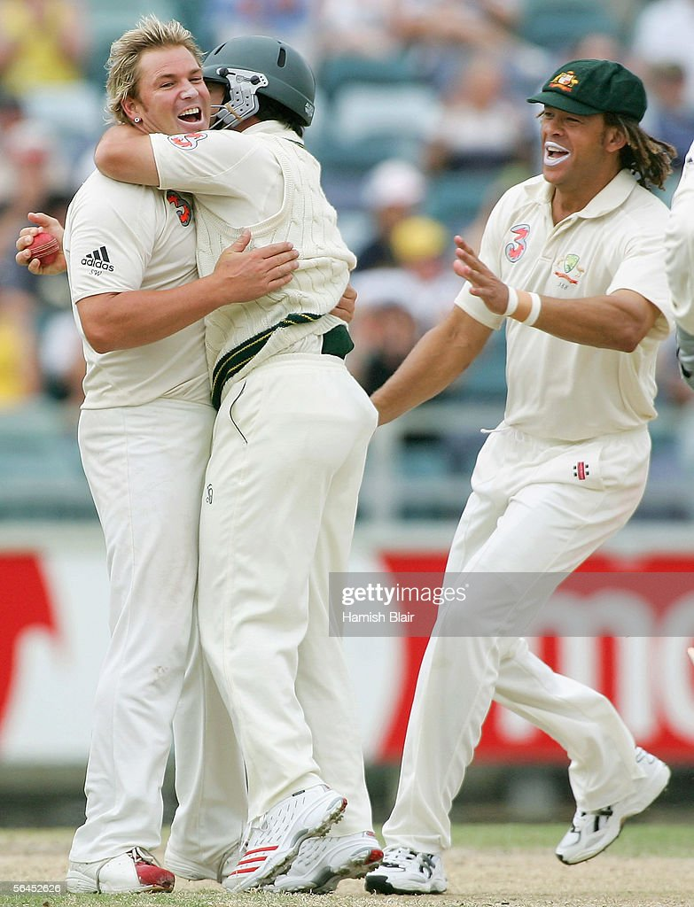 Shane Warne Brad Hodge And Andrew Symonds Of Australia Celebrate The News Photo Getty Images