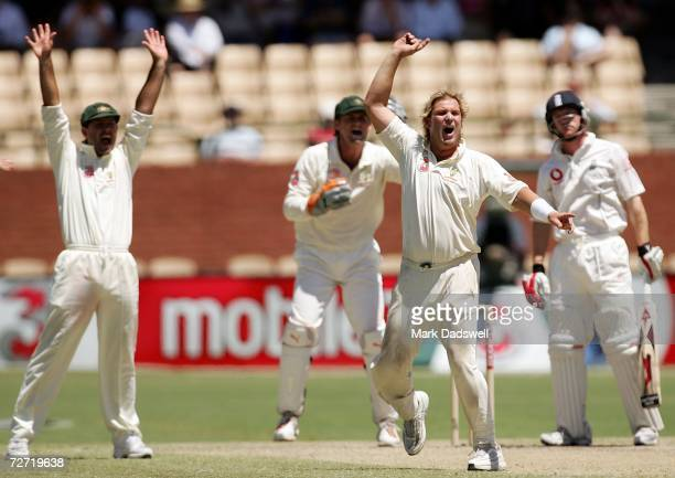 Shane Warne of Australia appeals unsuccessfully for the wicket of Paul Collingwood of England during day five of the second Ashes Test Match between...