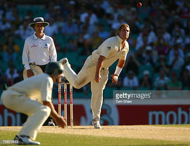 Shane Warne of Australia bowls during day three of the fifth Ashes Test Match between Australia and England at the Sydney Cricket Ground on January...