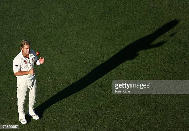 Shane Warne of Australia prepares to bowl during day one of the third Ashes Test Match between Australia and England at the WACA on December 14, 2006...