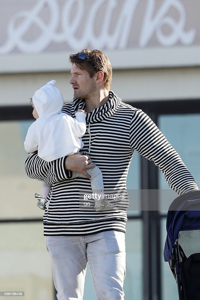 Shane Watson and his wife, Lee Furlong and their children ...