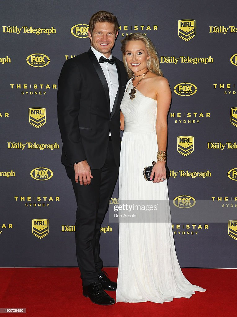 Shane Watson and Lee Furlong arrive at the 2015 Dally M Awards at Star City on September 28, 2015 in Sydney, Australia.
