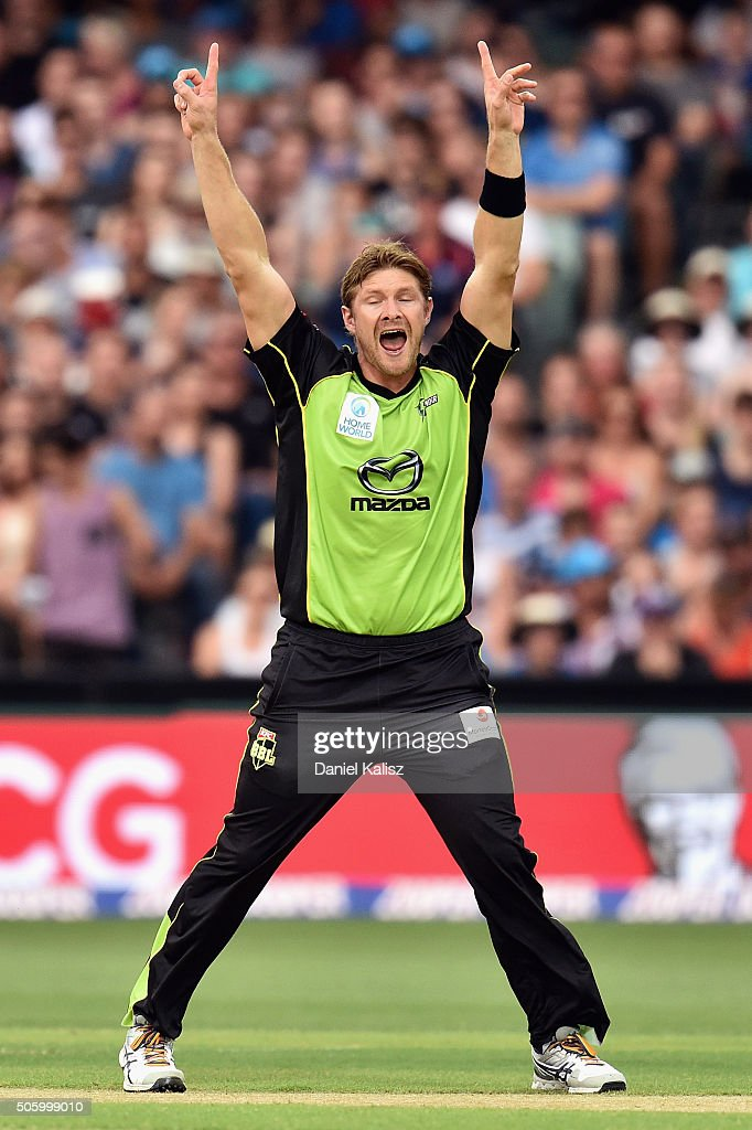 Shane Watson of the Sydney Thunder reacts after taking the wicket of Mahela Jayawardena of the Strikers during the Big Bash League Semi Final match between the Adelaide Strikers and the Sydney Thunder at Adelaide Oval on January 21, 2016 in Adelaide, Australia.